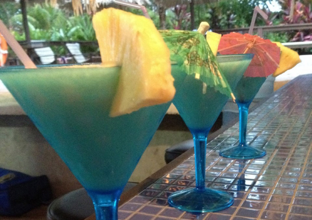 http://roatan-guavagrove.com/wp-content/uploads/2016/03/drinks-guava-grove.png