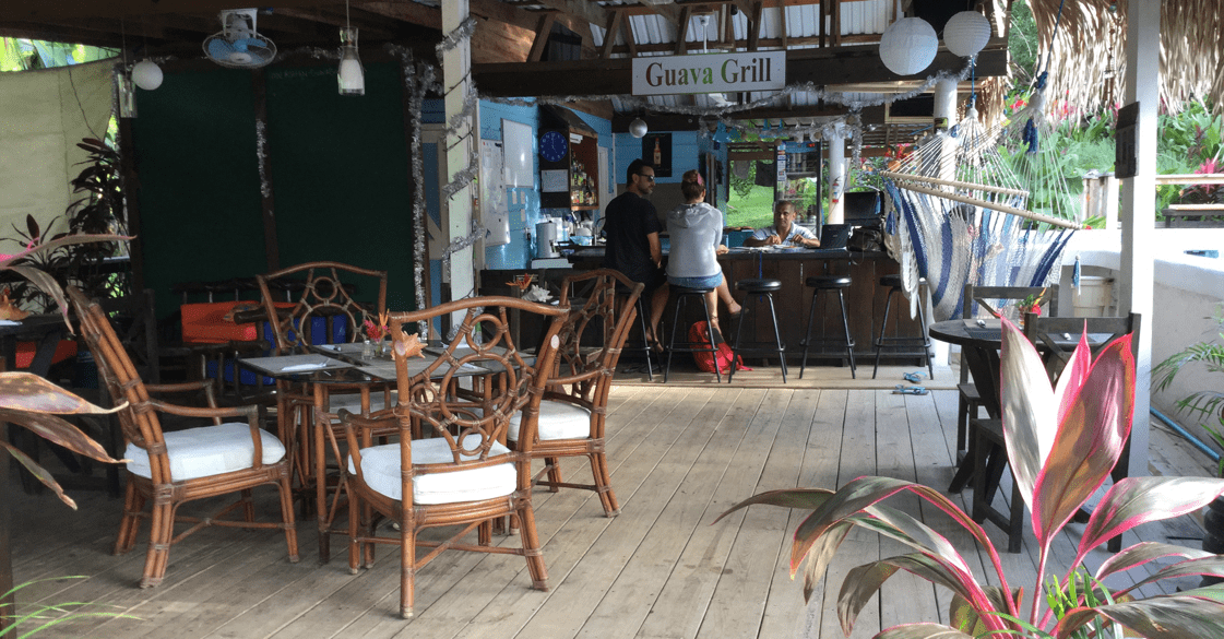 http://roatan-guavagrove.com/wp-content/uploads/2016/03/restaurant.png